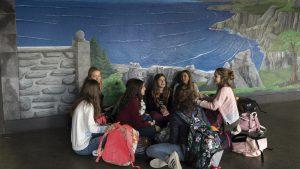 Grupo de alumnos en el patio